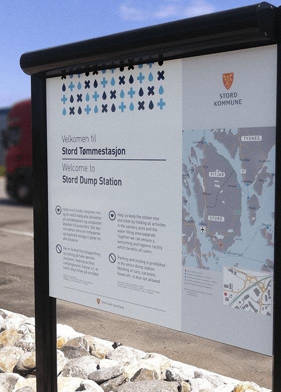 Informasjonsskilt ved Heiane Tømmestasjon