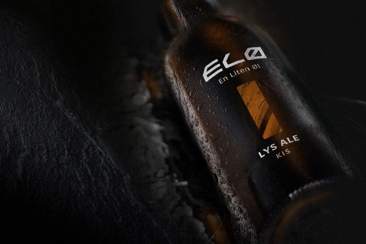 ELØ-flaske på sort bakgrunn
