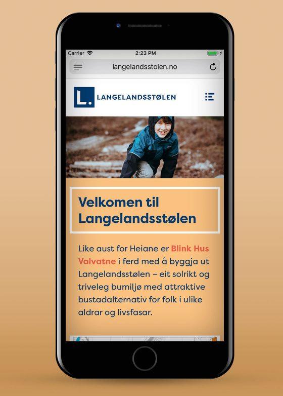 Langalandsstølens nettsider vist på mobil